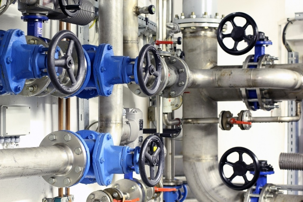Pipes-and-valves-compressed-080277-edited